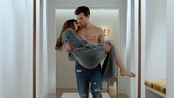 1D274906429135-x_tdy_fifty_shades_trailer_140724.blocks_desktop_large